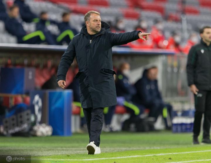 欧冠联赛首位,弗里克前7场淘汰赛取得全胜