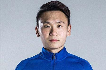 28岁左后卫张晨龙回到老东家广州城试训,他去年刚转会离开